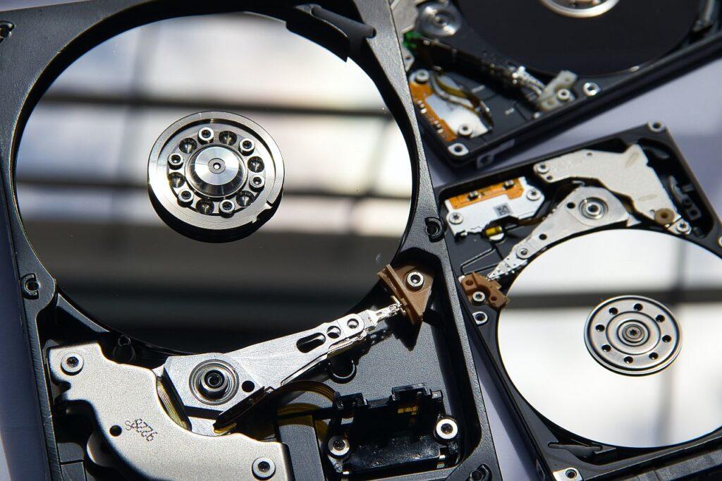 Odzyskiwanie danych z macierzy RAID  dojrzały obsługa.